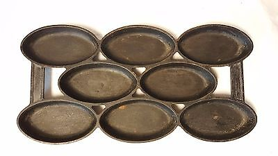 Vintage Cast Iron 8 Cup Oval Gem Pan No.4