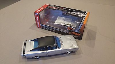 1968 Dodge Charger R/T, 1:18 Scale Diecast, Silver Metallic