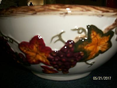 International Bazar Decorative ceramic bowl  grapes and leaves