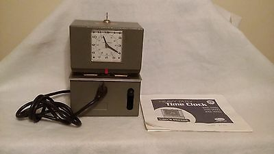 Lathem Time Clock model 2126  with Key and Instructions