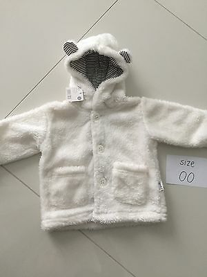 Baby Boy Girl Fluffy Jumper White Size 0 3-6 Months