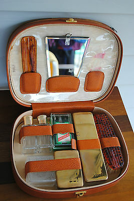 VINTAGE MENS LEATHER TOILETRIES CASE GROOMING TRAVEL Made in FRANCE