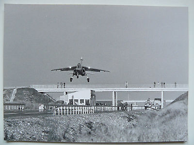 Photo Presse 70's DASSAULT BREGUET AVIATION  Alphajet dimensions 17,5 x 24 cm