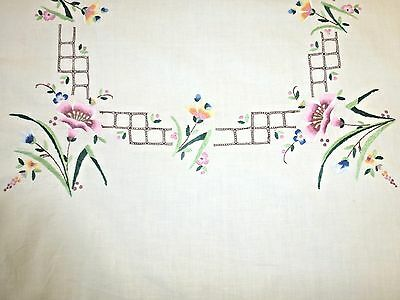 Pretty Vintage antique embroidery embroidered linen tablecloth floral design
