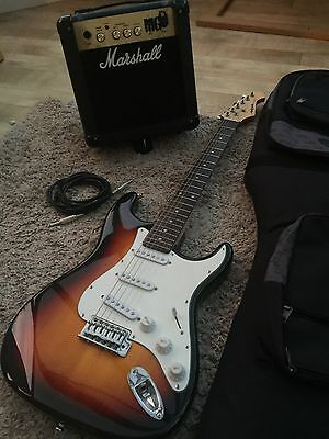 Excellent Electric Guitar With Case And Amp