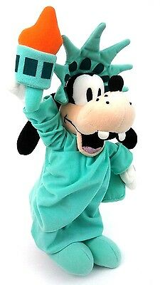 "Walt Disney Store 14"" NY Goofy dog  Liberty Statue Plush Stuffed Animal Toy"