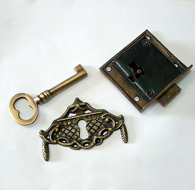 Set Antique Victorian CURTAIN KEY HOLE with Vintage Cabinet Skeleton KEY & LOCK