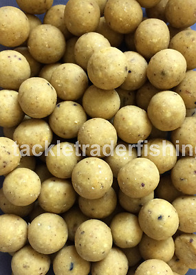 MISTRAL BAITS BANANA & TOFFEE 15mm BOILIES - 100g - FREE P & P