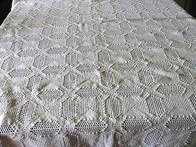 Vintage HAND CROCHETED POPCORN COVERLET WHITE BEDSPREAD Tablecloth BEAUTY