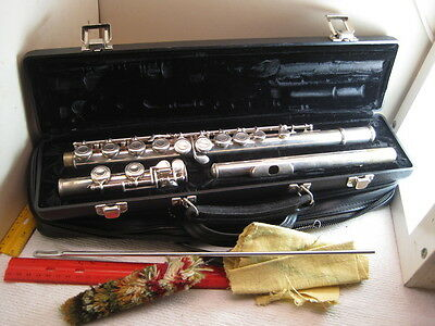 vintage musical instrument,flute by DeFord,serial no. 1 over A45385,accessories