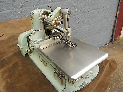Industrial Sewing Machine Reece Model LS2N -tacker