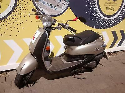 Sym Fiddle 50 - 50cc - SOLD AS SEEN - SPARE OR REPAIR ONLY - RUNNER NO MOT