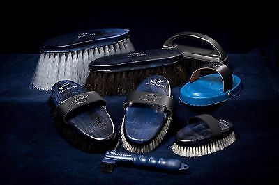 Alan Davies Signature Brush Pack Horse Pony Grooming