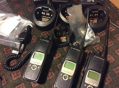 Lot Of 3 Motorola Xts 5000 Two Way Radio  H18Ucf9Pw6An With Chargers