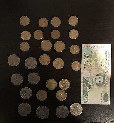 50 Total New Zealand Dollars Banknote + Coins  Reserve Bank Of New Zealand