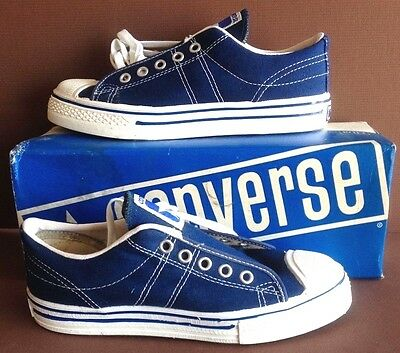 5 ---Vintage Converse, USA Made, STRAIGHT SHOOTERS, Navy Blue, Size 4's