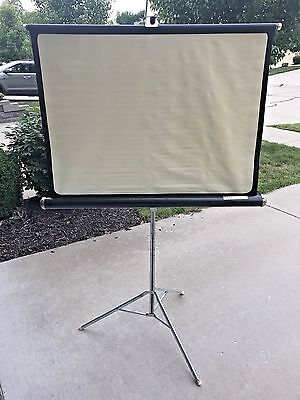 Vintage Knox Four Hundred Projector Screen w/ Collapsable Tripod Stand