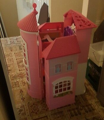 barbie doll house and all accessories