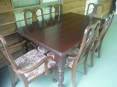 dining table and 6 chairs,antique style