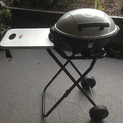 Outdoor/camping cooker/oven/grill on stand