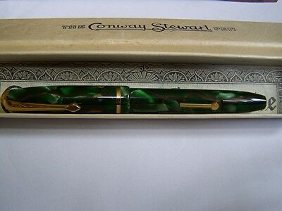 "Conway Stewart "" DINKIE  Vintage Fountain Pen with.14ct Gold Nib & box"