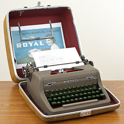 Refurbished 1951 Royal Quiet De Luxe Typewriter Excellent Condition with Case