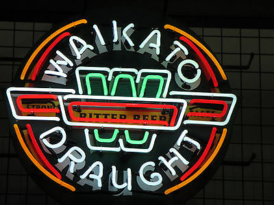 WAIKATO DRAUGHT BEER  LARGE  60 CM ( 24 inches)ROUND NEON SIGN  **IN STOCK NOW**