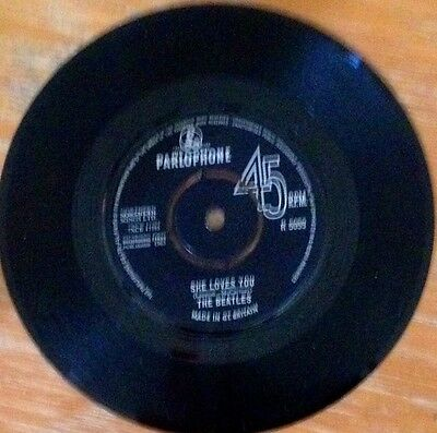 The Beatles She Loves You 7 inch single 1963