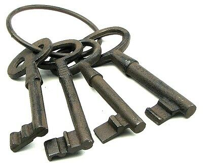 """Cast Iron Extra Large Keys On Ring Antique Style Decor Replica 11x5x2"""""""