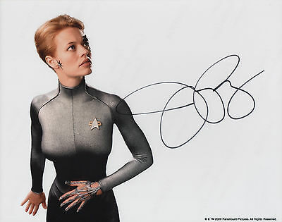JERI RYAN Signed 10x8 Photo STAR TREK VOYAGER Seven of Nine COA