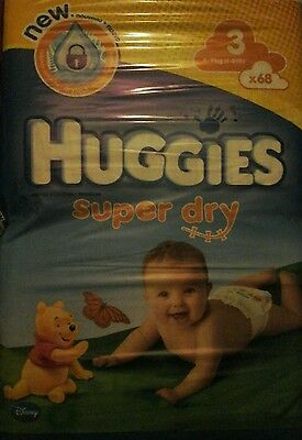 68 Couches Huggies  Super Dry - Taille 3 - 4 A 9 Kg