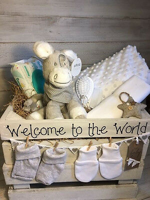 Baby Gift Basket/Hamper Neutral Unisex/Nappy cake/Baby shower/New baby hamper