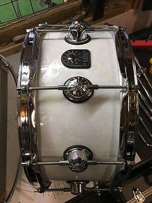 "Natal Ash 14x6.5"" snare drum in White Swirl"