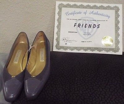 Friends TV Show screen worn prop Lisa Kudrow Phoebe Buffay w/ COA