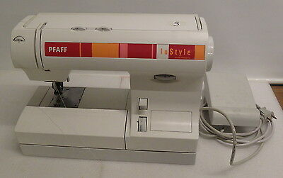Pfaff InStyle 1524 with IDT Feed System  Sewing Machine