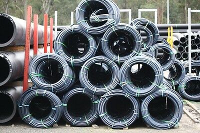 FREE DELIVERY SYD / NEW 1 ROLL OF 25mm X 200m pn12.5 BLUE STRIPE POLY PIPE.