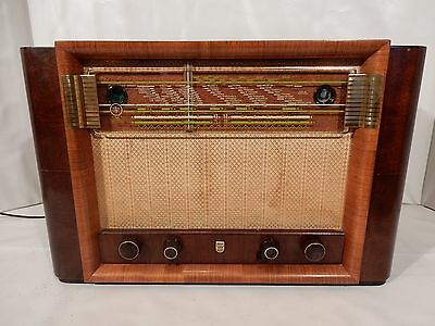 Philips BX610A radio with FM convertor inside Very hard to find