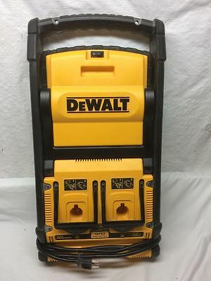 DeWalt DC022 Cordless/Corded Worklight/Dual Port Charger with GFCI Protection