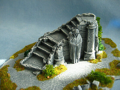 Stairway and Statue Unpainted Ceramic Thomarillion Terrain Dwarven Forge D&D