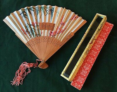 Vintage 1950'S ORIENTAL Bamboo FAN in GLASS LIDDED BOX Japanese Chinese