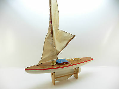 LOT 33190 | Juguetes Giner Spain Segelboot 40cm Segelschiff Restaurationsobjekt