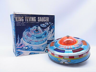 LOT 1275 | Vintage KO Yoshiya Japan King Flying Saucer Untertasse in OVP/Box