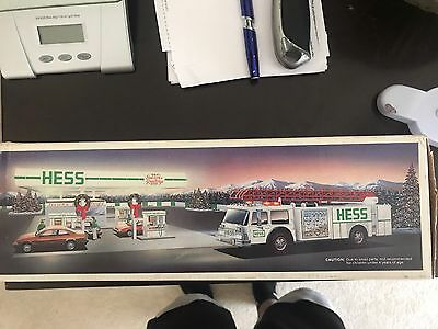 1989 Hess Toy Fire Truck Dual Sound Sirens, Lights, And Bank NIB