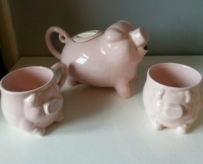 RARE Novelty Pig Teapot and Set of P & K London  Made in England