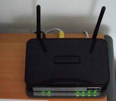 Modem Router ADSL2+ con Wireless-N 300Mbps NETGEAR DGN2200 V.3