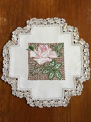 Vintage Hand Embroidered Linen Duchess / Doily Dining Table Crochet Edge