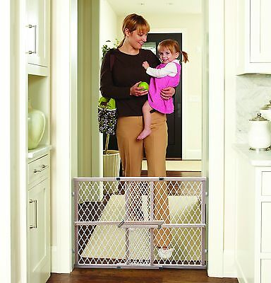 """Baby Safety Gate Wood Fence Pet Walk Thru Child Protection Toddler 26.5"""" to 42"""""""