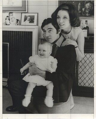 "JOAN COLLINS - ANTHONY NEWLEY - ORIGINAL Vintage 10"" x 8"" Photograph 1966 F#16"