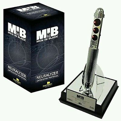 Factory Entertainment Men in Black 2 Neuralyzer limited edition Prop Replica new