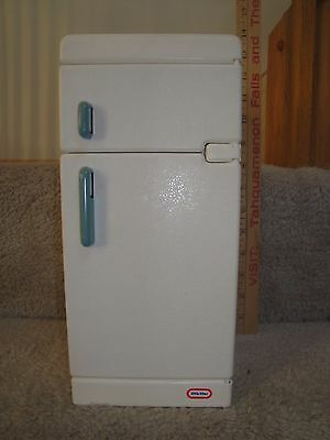 """Little Tikes """"My Size"""" Barbie Dollhouse Kitchen Refrigerator with Blue Tray!"""